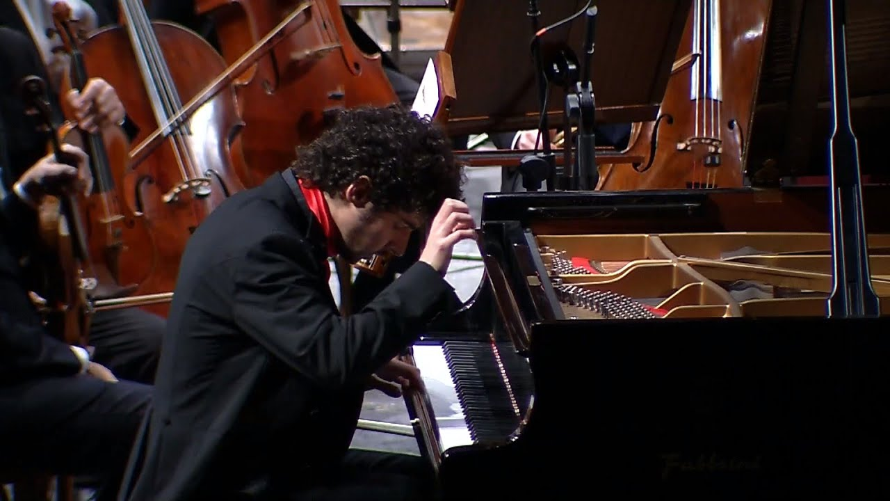 Federico Colli plays Beethoven Piano Concerto no. 3 (live in Palermo)