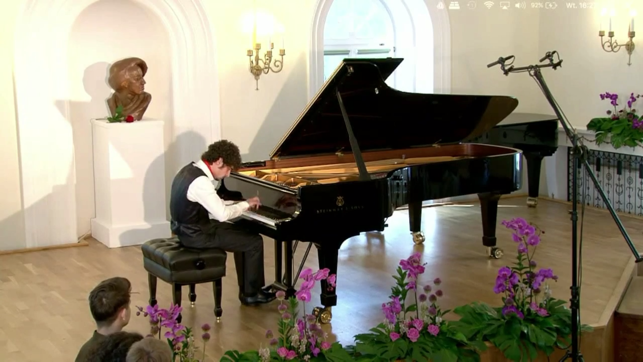 Federico Colli plays Scarlatti: Sonata in A major K39 (Presto)